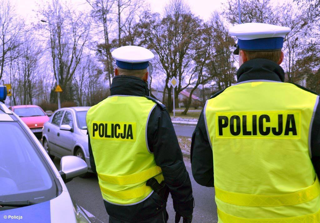 """Policjanci z oświęcimskiej drogówki kolejny raz przeprowadzili akcję """"Niechronieni uczestnicy ruchu drogowego"""", która jest skierowana do pieszych."""