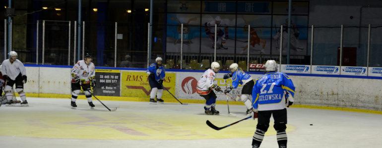 Turniej hokeja kobiet w Oświęcimiu