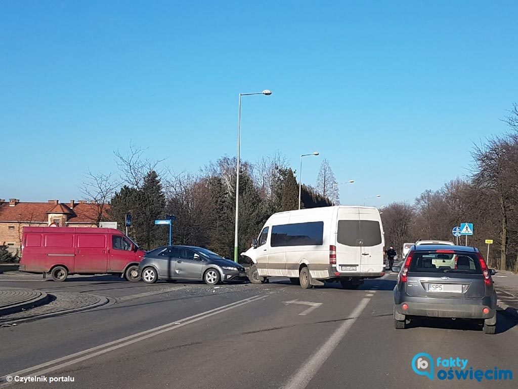 Do kolejnego zderzenia doszło w Oświęcimiu na skrzyżowaniu ulic Legionów i Leszczyńskiej. W karambolu nikt nie odniósł obrażeń.