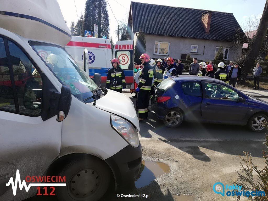 Piątkowy wypadek w Przeciszowie rozpoczął serię niebezpiecznych zdarzeń drogowych na traktach powiatu oświęcimskiego. Piszemy o nich w eFO.