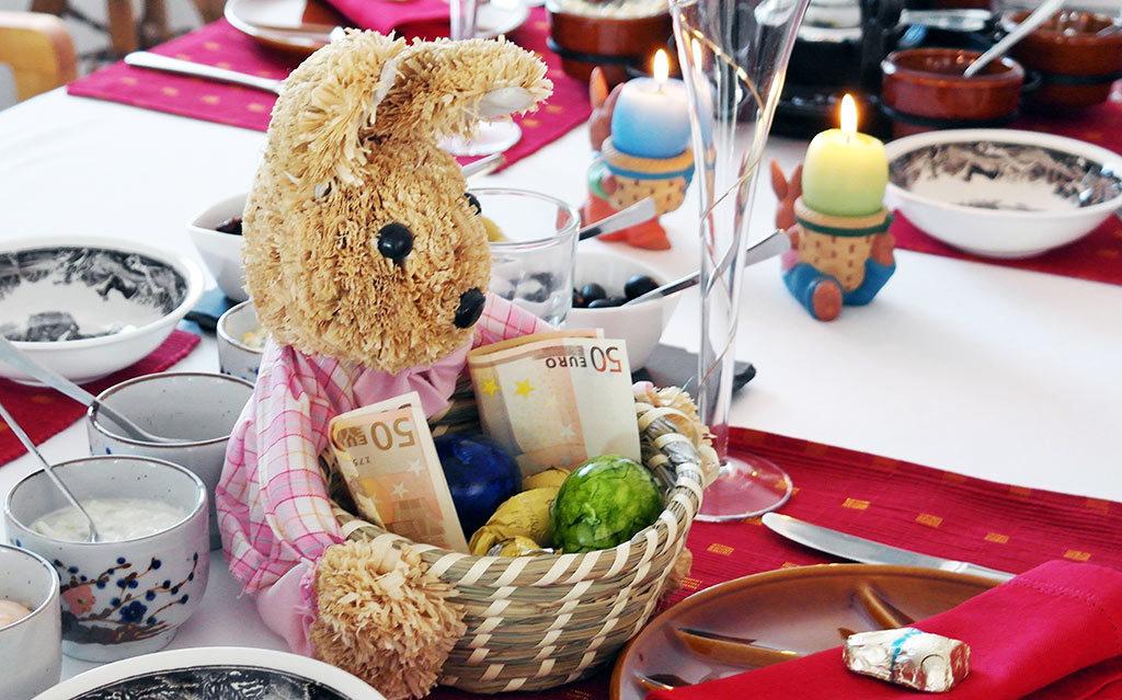 Wielkanoc to dla większości z nas wyjątkowy okres. Chcemy, aby na świątecznym stole niczego nie zabrakło. Co jednak zrobić, gdy wielkanocna lista zakupów nie ma końca, a nasz budżet kurczy się z dnia na dzień? Rozwiązaniem może być pożyczka na święta
