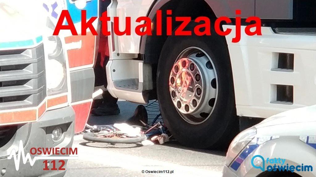 Znamy wstępne przyczyny wypadku w Kętach. Kierowca tira ruszył na zielonym świetle i potrącił seniorkę. Na drodze nie ma już utrudnień.