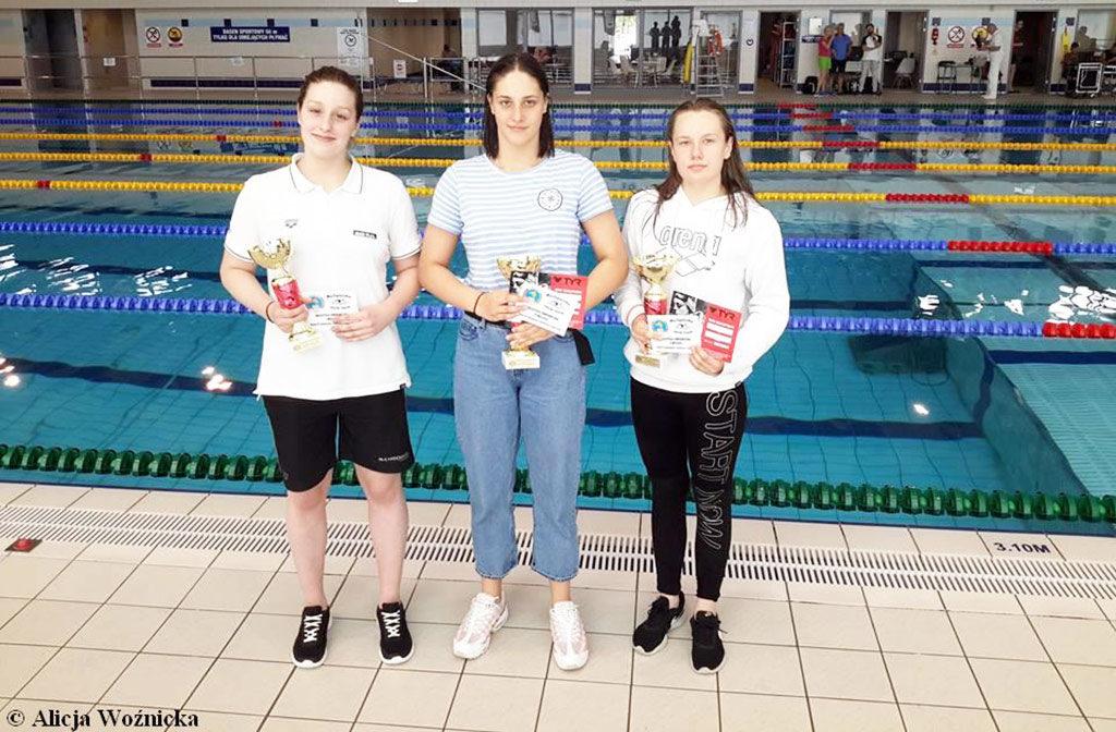 Znakomicie zaprezentowali się reprezentanci SMS Oświęcim, podczas imprezy z cyklu Grand Prix Małopolski w oświęcimskiej pływalni.