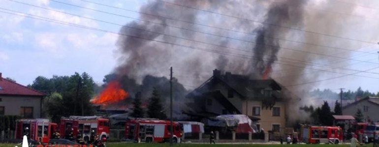 Kilkudziesięciu strażaków walczyło z pożarem – FILM, FOTO