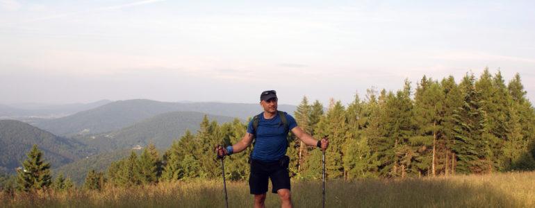 Przejdzie 500 km górskim szlakiem beskidzkim, by pomóc chorym dzieciom – FOTO