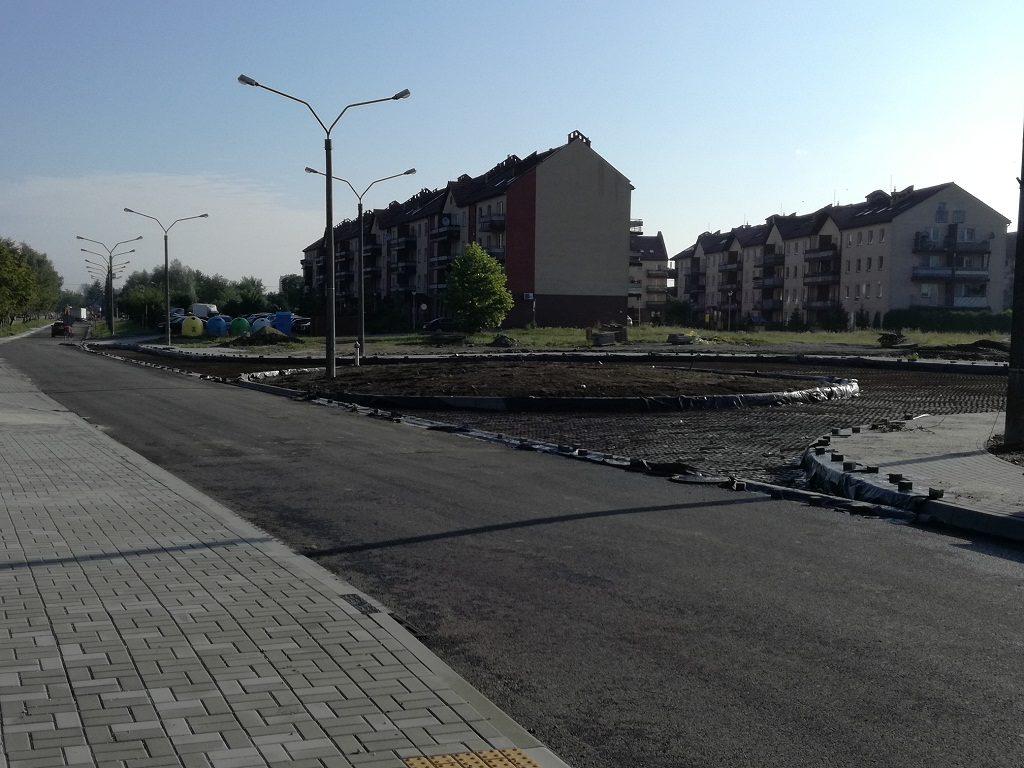 Powoli dobiega końca przebudowa ulic Św. Barbary, 11 Listopada i części Zagrodowej w Oświęcimiu. Remonty powinny zakończyć się w drugiej połowie sierpnia.