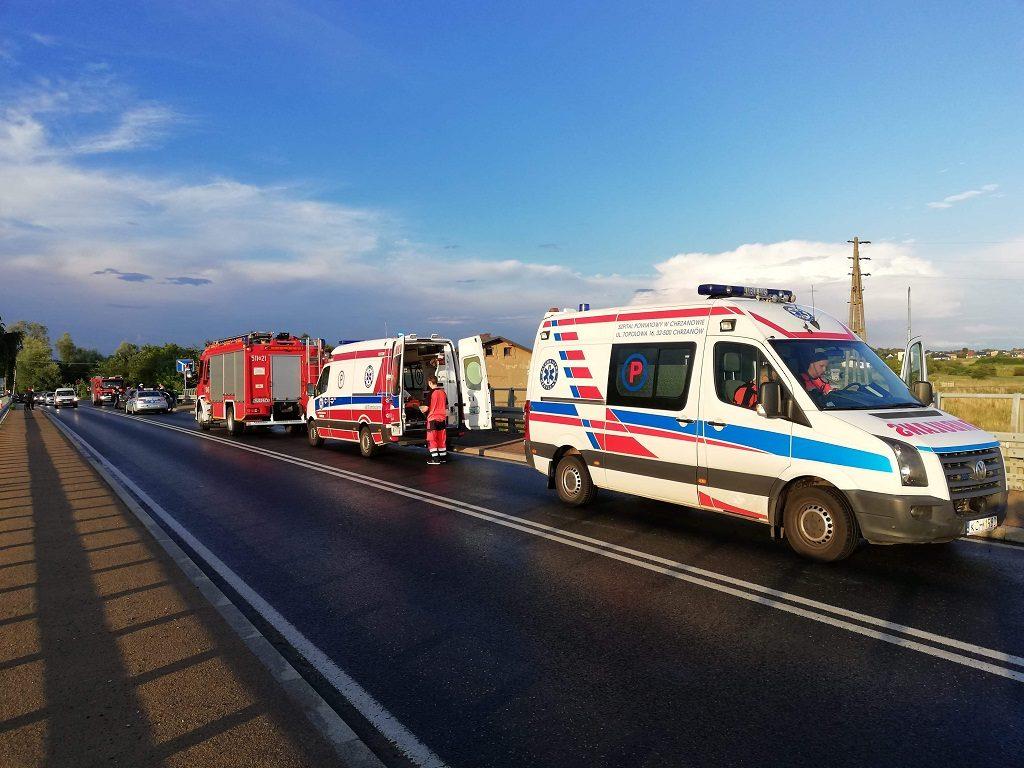 W Bobrku około godziny 19:20 na dawnej DW933 doszło do zdarzenia dwóch samochodów. Ruch odbywa się wahadłowo.