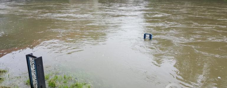 Pogotowie powodziowe w Oświęcimiu – FILM, FOTO