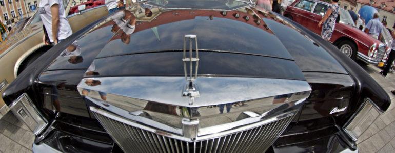 Pojazdy z ubiegłego wieku w sercu Oświęcimia – FOTO