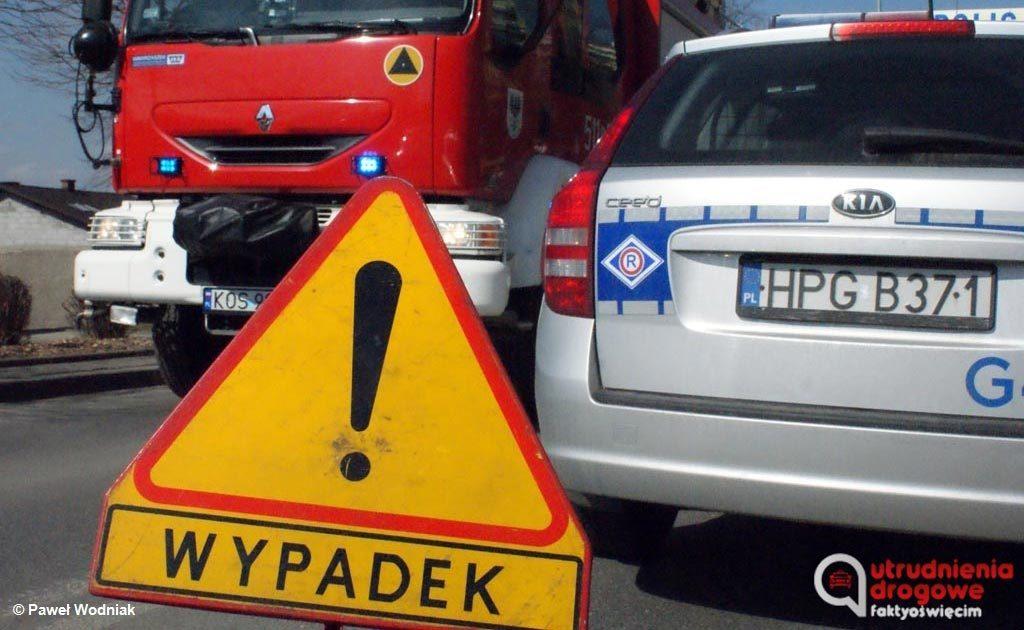 Po kilkunastu tygodniach policjanci namierzyli, udowodnili, a następnie postawili zarzut spowodowania wypadku drogowego 60-letniemu kierowcy samochodu ciężarowego.