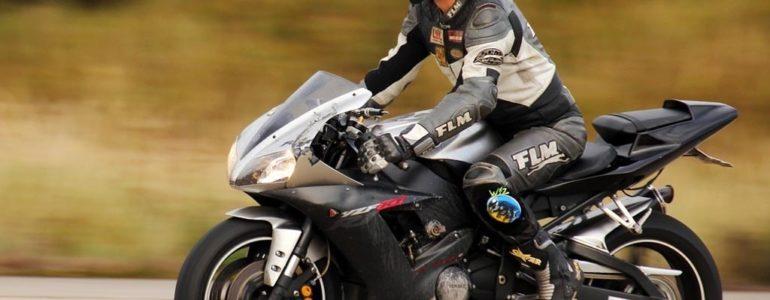 Motocyklista stracił prawo jazdy za prędkość