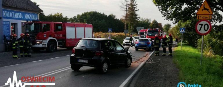 Nie wyhamowała i rozbiła trzy samochody – FOTO