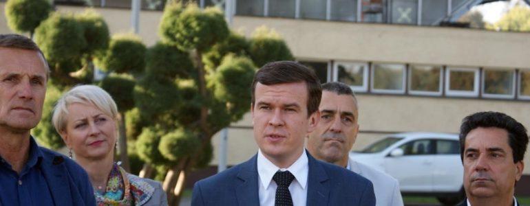 Minister sportu o obiektach sportowych i hokeju – FILM