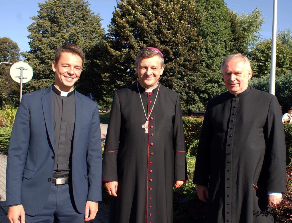 W parafiach w powiecie oświęcimskim nastąpiły zmiany osobowe. Część księży z dwóch diecezji zmieniło miejsce swojej posługi oraz przeszło na emeryturę.
