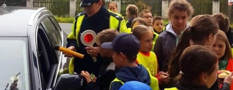 Dzieci nagradzały i karały kierowców – FOTO