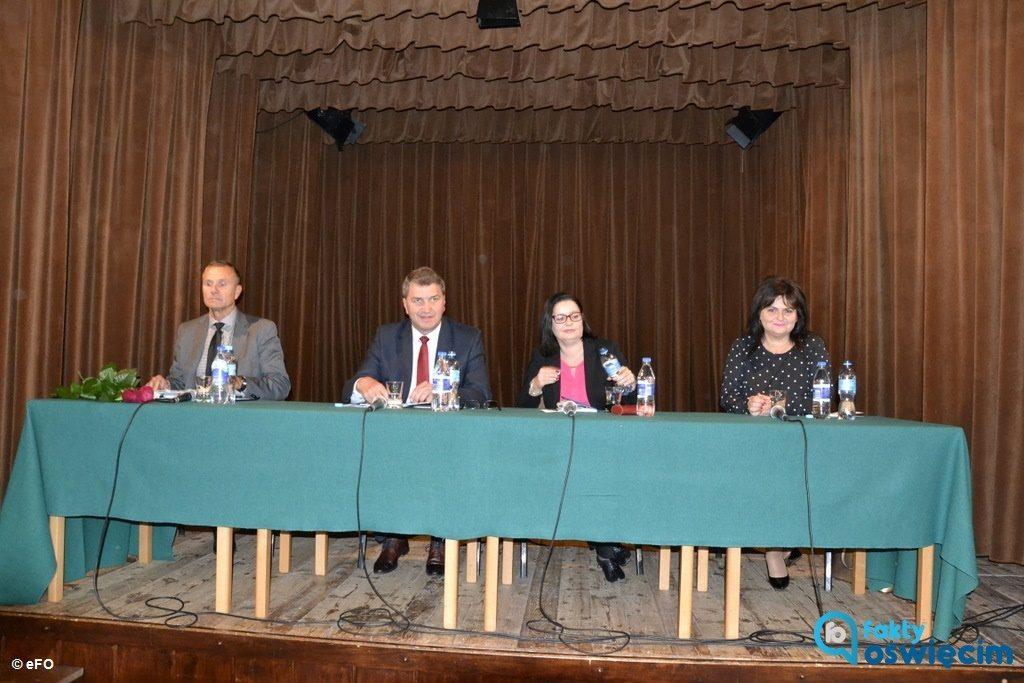 Wczoraj Fakty Oświęcim przeprowadziły pierwszą debatę prezydencką w Oświęcimiu. Wzięło w niej udział czworo kandydatów na urząd sternika miasta.