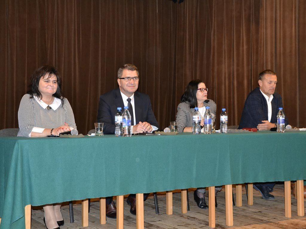 Wczoraj wieczorem kandydaci na urząd prezydenta Oświęcimia ponownie spotkali się na debacie, zorganizowanej przez Fakty Oświęcim. Obejrzyjcie nagranie.