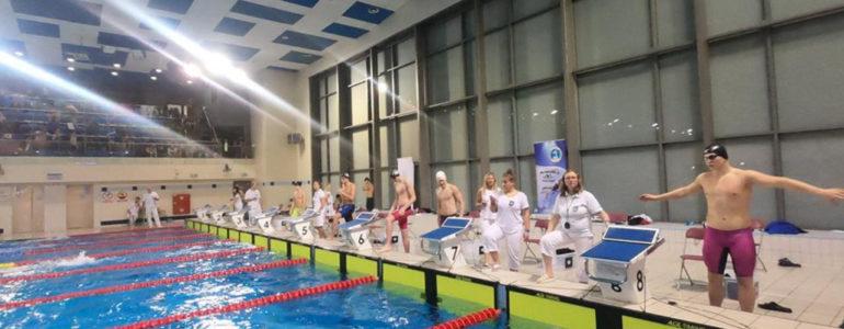 Pływacy szlifowali formę – FOTO