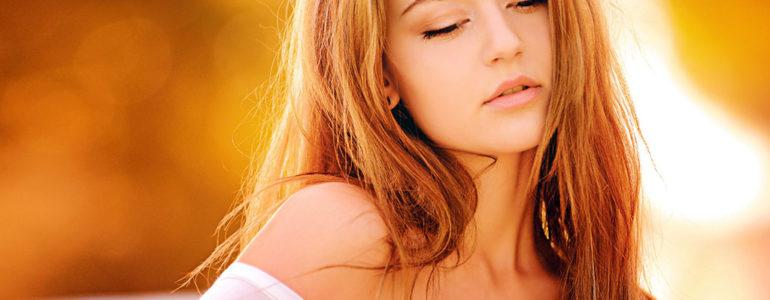 Peeling kawitacyjny – skuteczne oczyszczanie tłustej cery