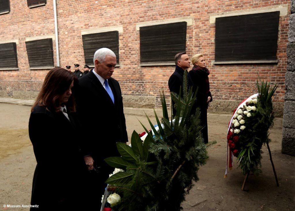 Prezydent Polski i wiceprezydent Stanów Zjednoczonych z małżonkami spędzili dzisiaj prawie trzy godziny w Miejscu Pamięci Auschwitz-Birkenau.