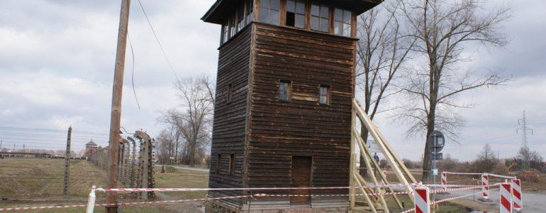 Wichura uszkodziła wieżyczki w Muzeum Auschwitz-Birkenau – FOTO