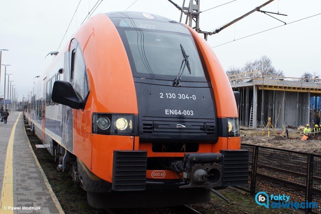 Po ponad trzyletniej przerwie pociągi wróciły na trasę Oświęcim - Czechowice-Dziedzice. W sumie w obie strony pojedzie ich 17 na dobę.