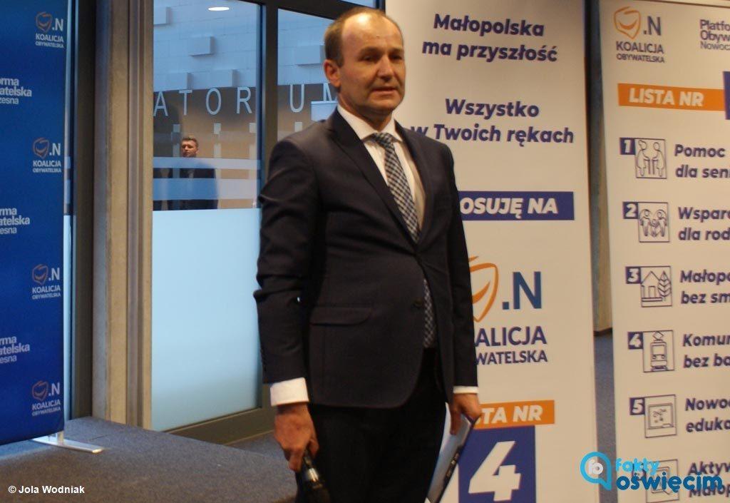 Były marszałek województwa małopolskiego, a obecnie poseł Marek Sowa był osobą najczęściej wymienianą podczas wczorajszej konferencji prasowej.