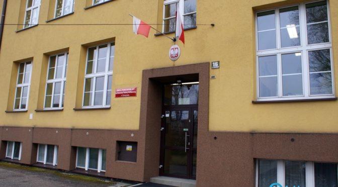 Ministerstwo Edukacji Narodowej wypowiedziało się w kwestii planu likwidacji Szkoły Podstawowej nr 3 w Oświęcimiu. Stanowisko MEN jest jednoznaczne.