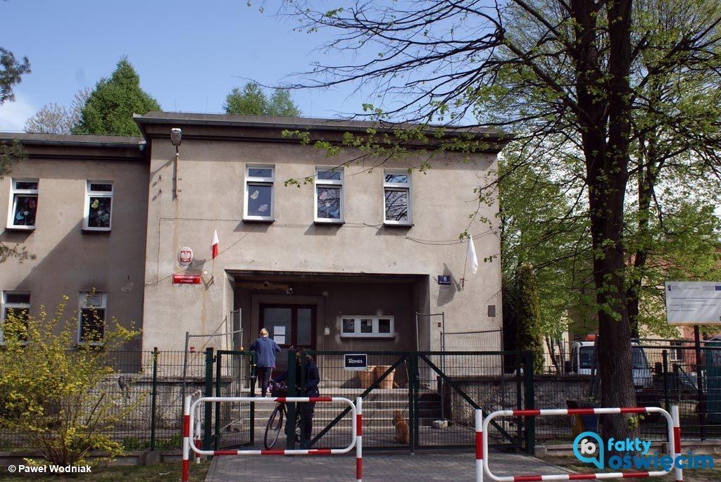 W miejskich szkołach podstawowych w Oświęcimiu zaczynają się lekcje. Decyzje o zawieszeniu strajku zapadają indywidualnie w każdej placówce.