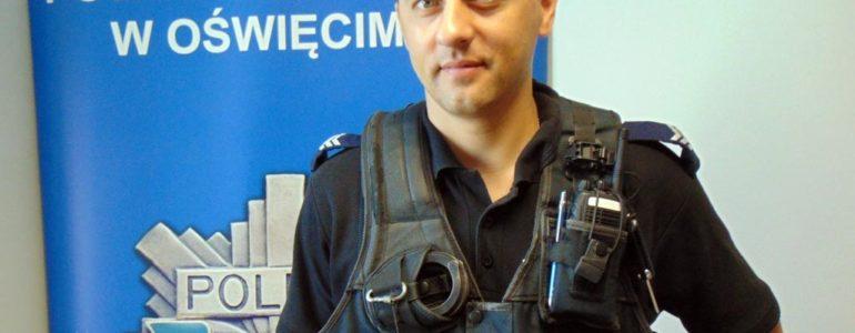 Wilczur wrócił do domu dzięki policjantowi