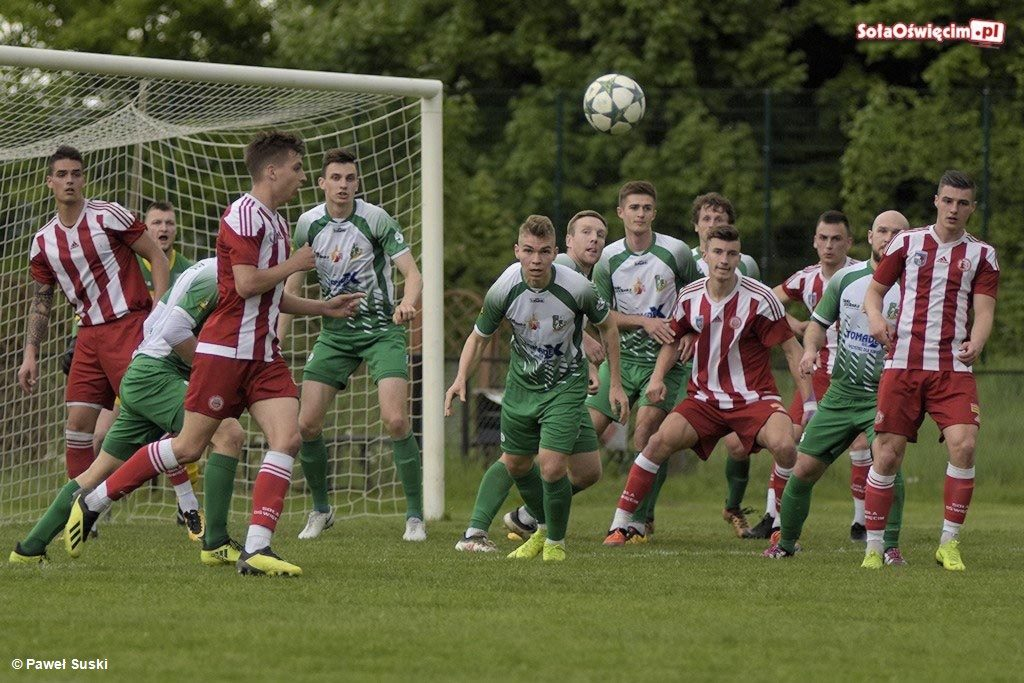 Klub Sportowy Soła Oświęcim jest w fatalnej kondycji finansowej. Bez dodatkowych funduszy seniorzy w nowym sezonie nie wystąpią w III lidze.