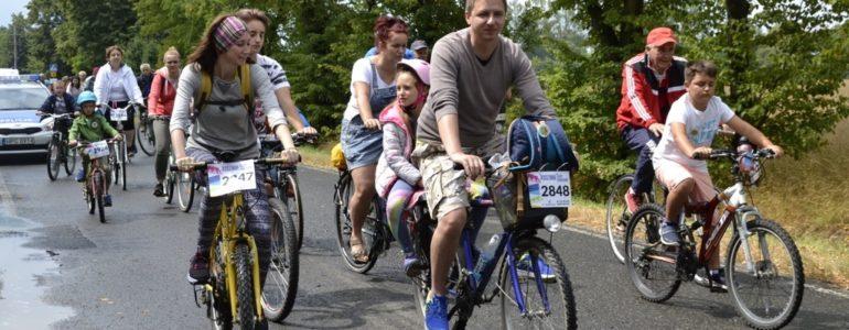 Trzystu rowerzystów na trzech trasach – FILM, FOTO