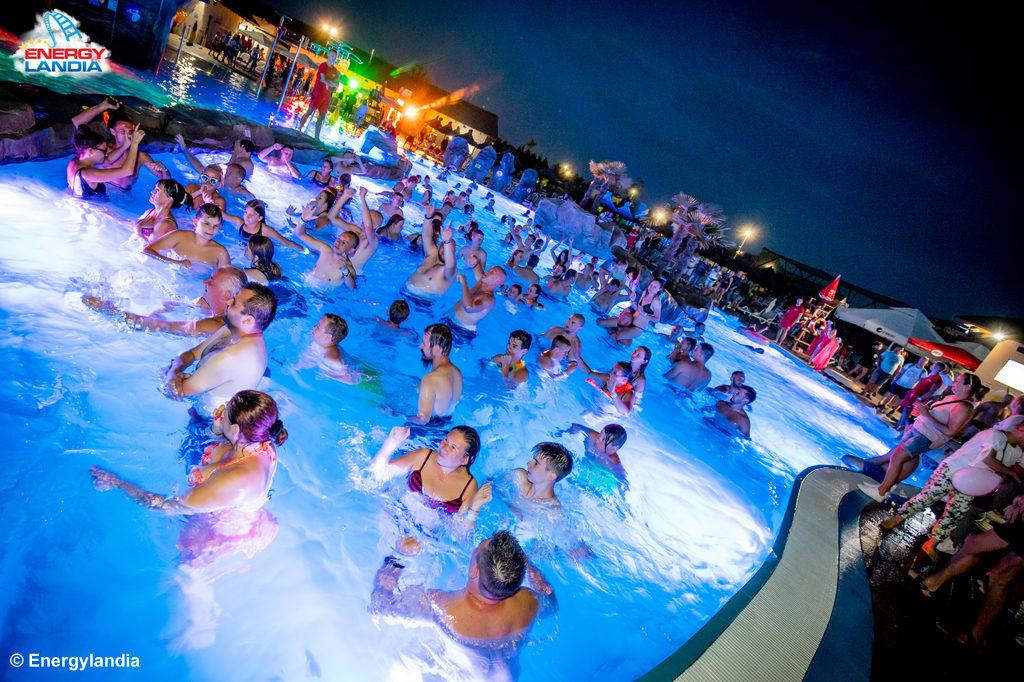 15 sierpniaEnergylandia zaprasza na Beach Party. Dyskoteka na wodnym parkiecie, czyli na trzech basenach rozpocznie się o godz. 20 i potrwa do północy.