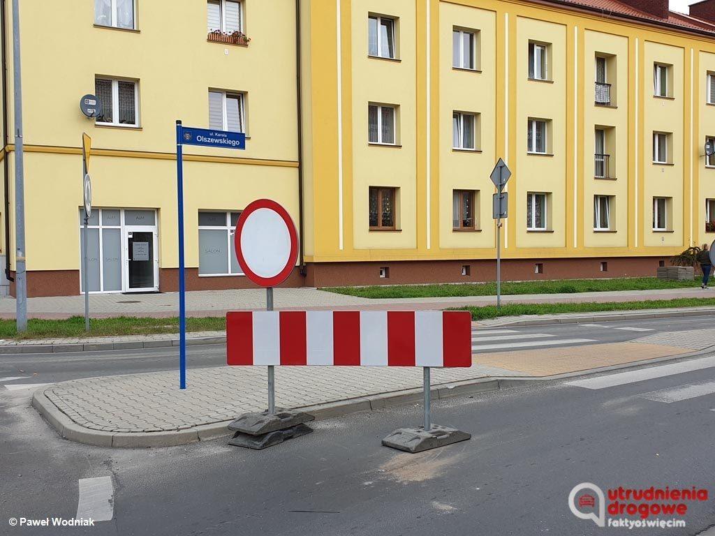 Rozpoczął się kolejny długo oczekiwany remont drogowy w Oświęcimiu. Dlatego też od wczoraj część ulicy Olszewskiego jest całkowicie zamknięta.