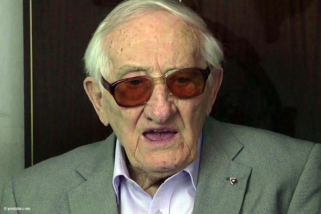 """W wieku 98 lat zmarł Karol Tendera, były więzień niemieckiego obozu koncentracyjnego Auschwitz. Głośno sprzeciwiał się określeniu """"polskie obozy zagłady""""."""