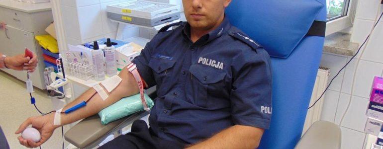 Szef dzielnicowych zasłużonym dawcą krwi – FOTO