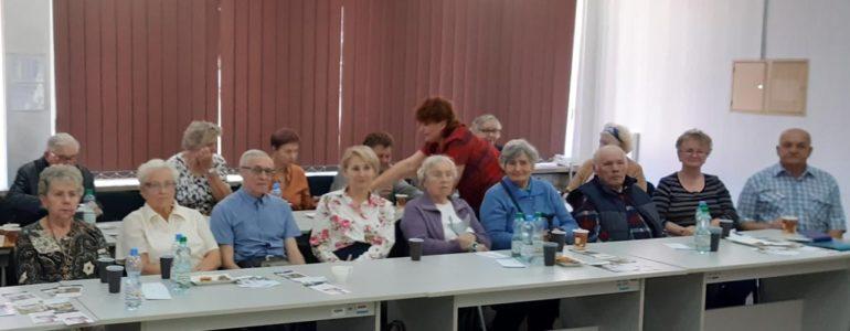Seniorzy spotkali się z kardiologiem i farmaceutą
