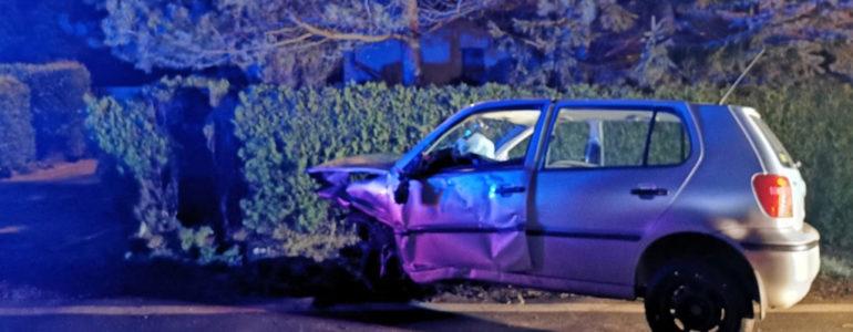 Nie dostosowała prędkości i wywróciła auto na bok – FOTO