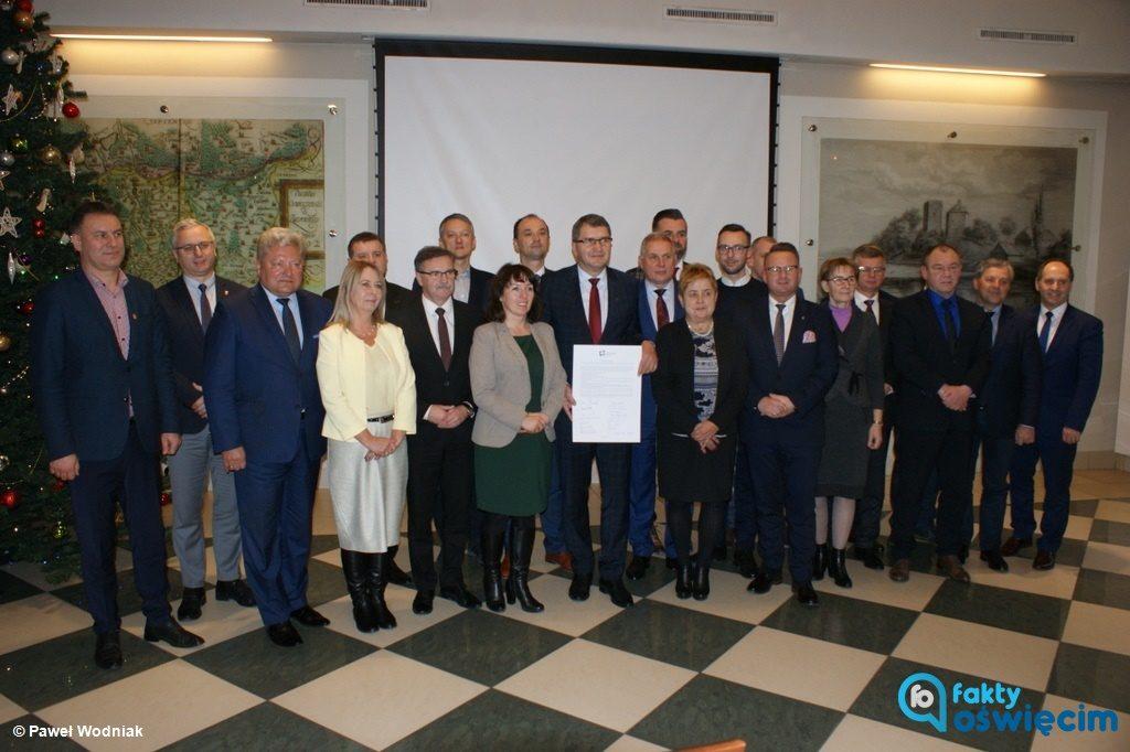 Przedstawiciele 19 z 30 gmin powiatów chrzanowskiego, olkuskiego, oświęcimskiego i wadowickiego powołali Forum Małopolski Zachodniej.