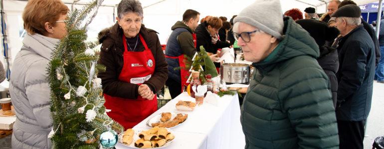 Karpiowo na zatorskim rynku – FOTO