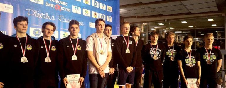 31 medali dla pływaków z SMS Oświęcim – FOTO