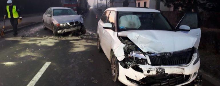 Trzy rozbite samochody – FOTO