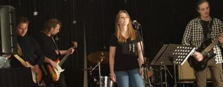 Zespół WALK na scenie Młodzieżowej Piwnicy Artystycznej – FOTO