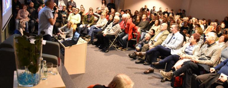 Krzysztof Wielicki i tłumy na spotkaniu w książnicy – FOTO