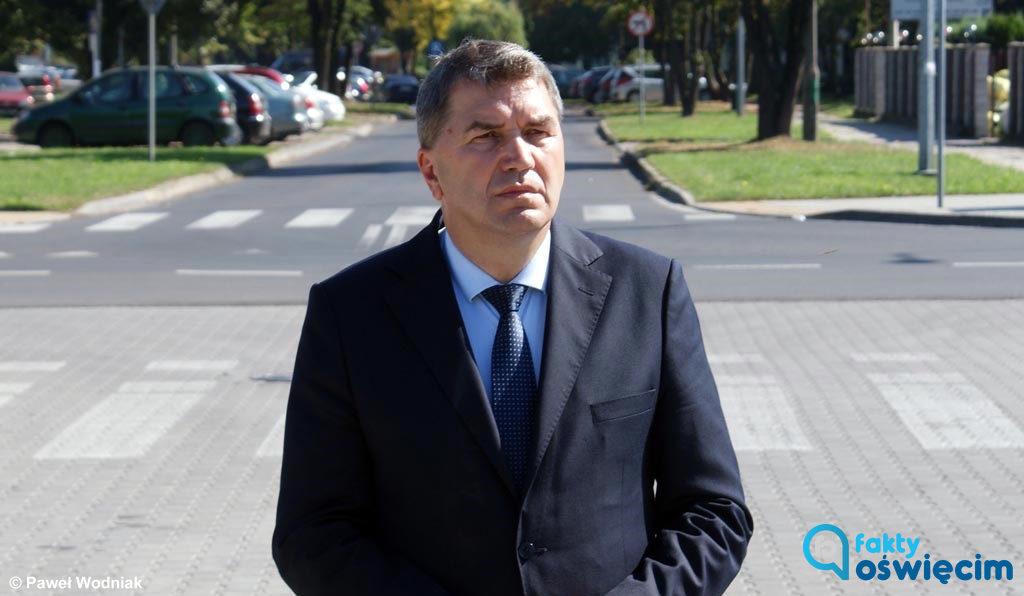 Prezydent Oświęcimia Janusz Chwierut odpowiada Prawu i Sprawiedliwości, którego lokalni działacze apelowali o reakcję w sprawie zachowania posła Marka Sowy.