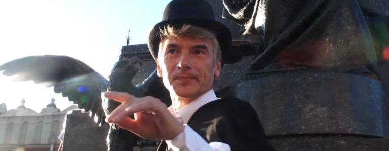 Podarowanie, czyli nowy klip Janusza Czerwika – FILM