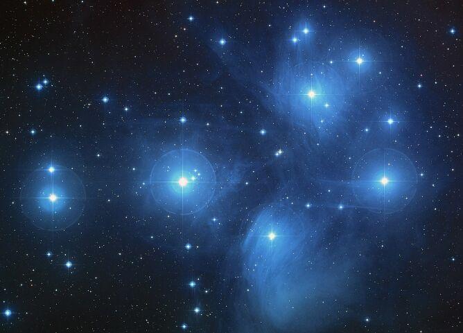 Plejady (NASA, ESA, AURA/Caltech, Palomar Observatory)
