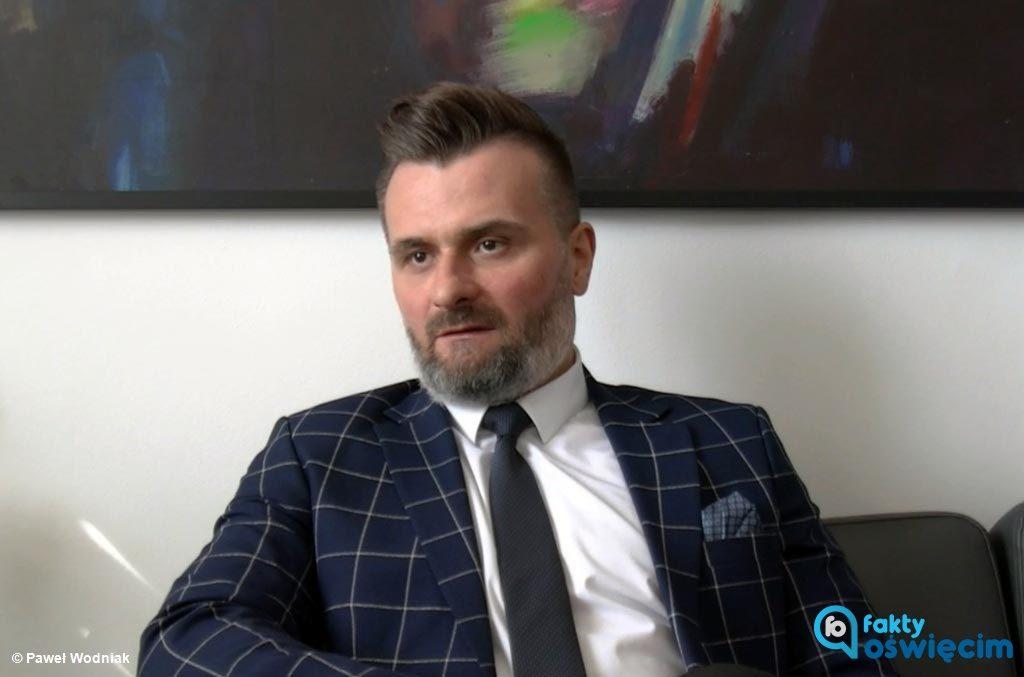 O tym, że mieszkańcy powiatu oświęcimskiego w sytuacji zagrożenia koronawirusem zachowują się odpowiedzialnie mówi wicestarosta Paweł Kobielusz.