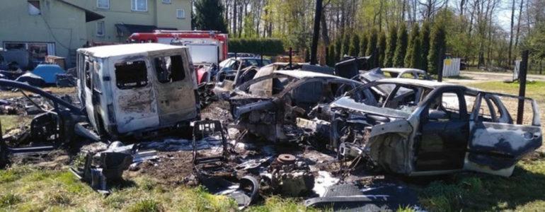 Spaliły się samochody. Przyjaciele uruchomili zbiórkę