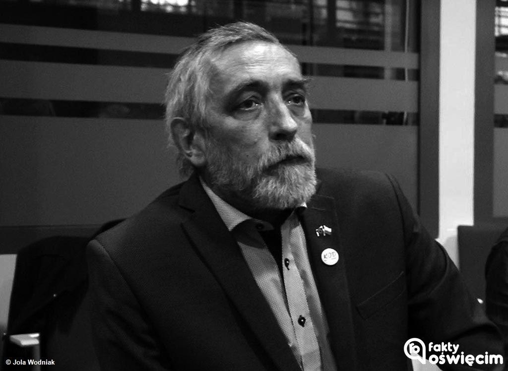 Dzisiaj przed godziną 14 w Szpitalu Powiatowym w Oświęcimiu odszedł Tadeusz Kuś, społecznik, współtwórca oświęcimskich struktur Komitetu Obrony Demokracji.